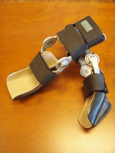 Dynamic hyperextension carpal brace heavy duty